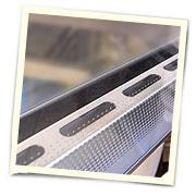 Плотное прилегание дверей засчет резиновых уплотнителей